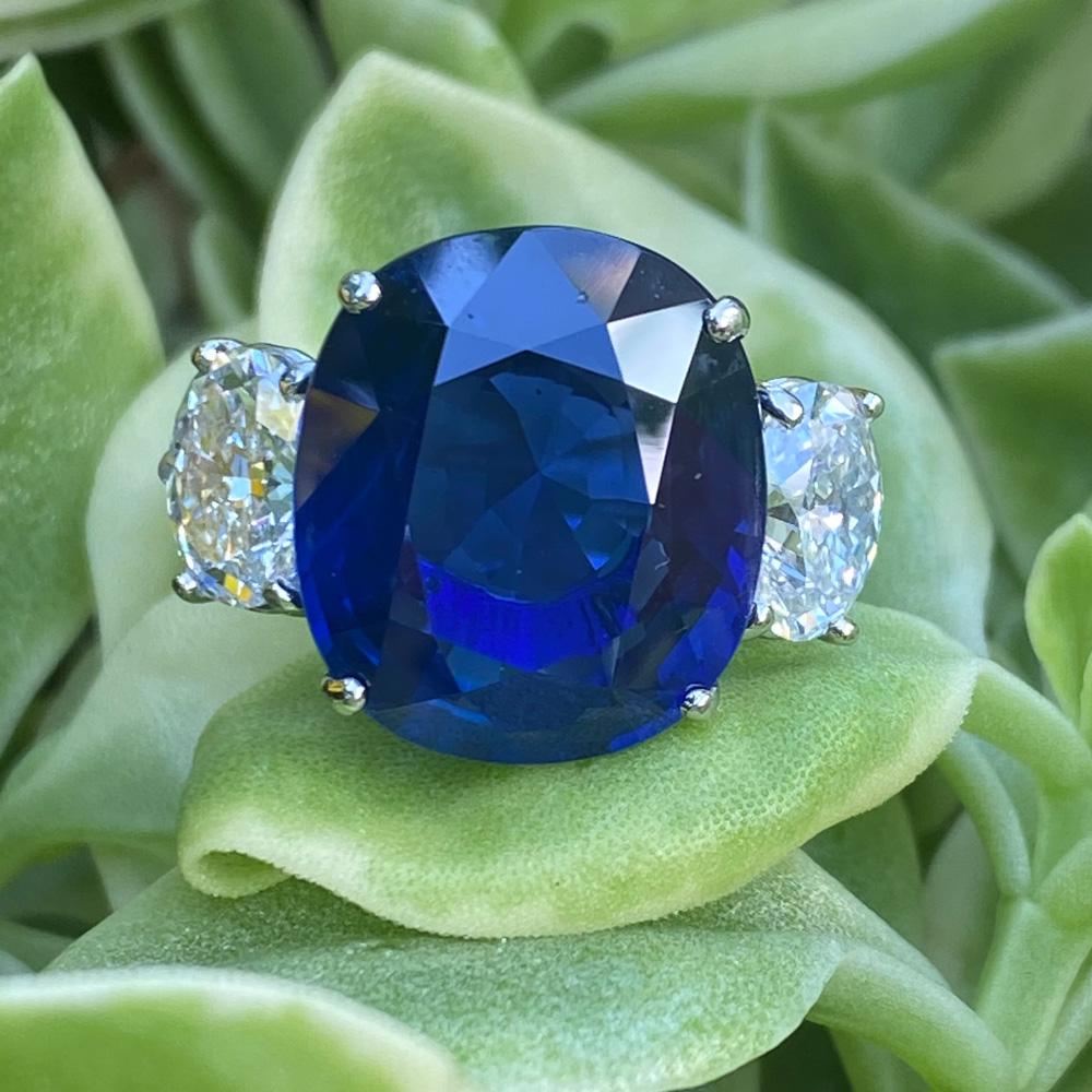 Burma natural Sapphire and diamond ring